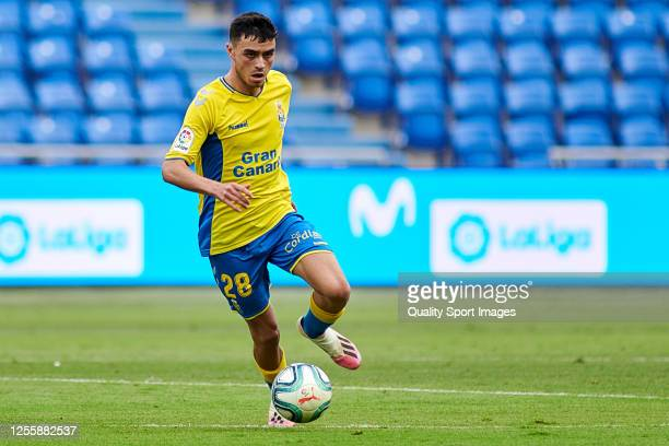 Pedro Gonzalez Lopez 'Pedri' of UD Las Palmas in action during the La Liga Smartbank match between UD Las Palmas and CD Mirandes at Estadio Gran...