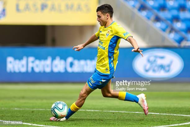 Pedro Gonzalez Lopez 'Pedri' of UD Las Palmas in action during the La Liga Smartbank match between UD Las Palmas and Extremadura UD at Estadio Gran...