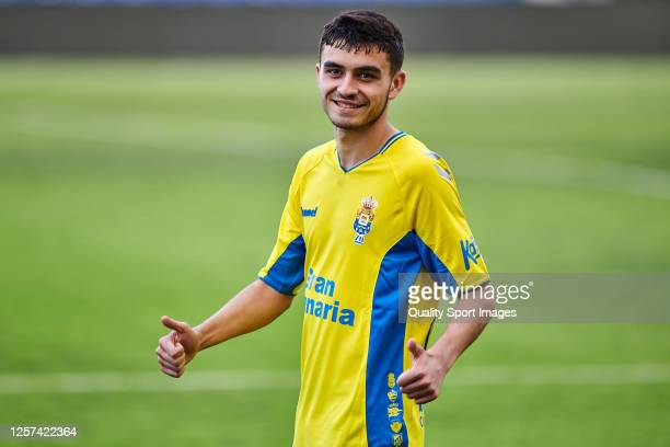 Pedro Gonzalez Lopez 'Pedri' of UD Las Palmas reacts during the La Liga Smartbank match between UD Las Palmas and Extremadura UD at Estadio Gran...