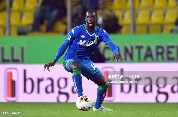 Pedro Obiang of US Sassuolo in action during the Serie A match between Parma Calcio and US Sassuolo at Stadio Ennio Tardini on September 25, 2019 in...