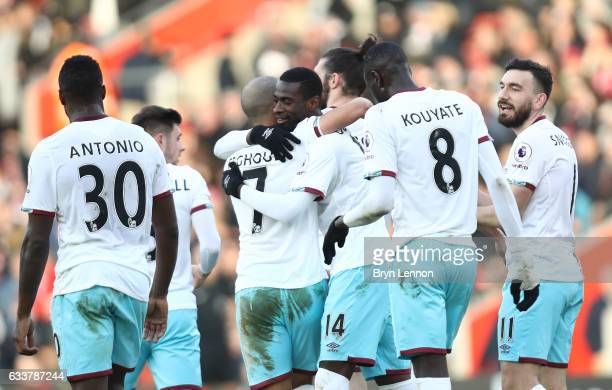 Pedro Obiang of West Ham United celebrates scoring his sides second goal with his team mates during the Premier League match between Southampton and...