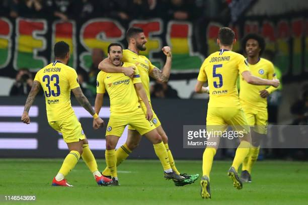 Pedro of Chelsea celebrates after scoring his team's first goal with Olivier Giroud and team mates during the UEFA Europa League Semi Final First Leg...