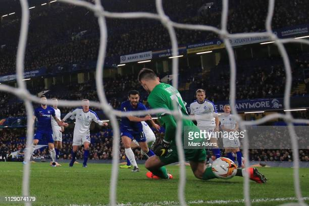 Pedro of Chelsea scores their 1st goal during the UEFA Europa League Round of 16 First Leg match between Chelsea and Dynamo Kyiv at Stamford Bridge...
