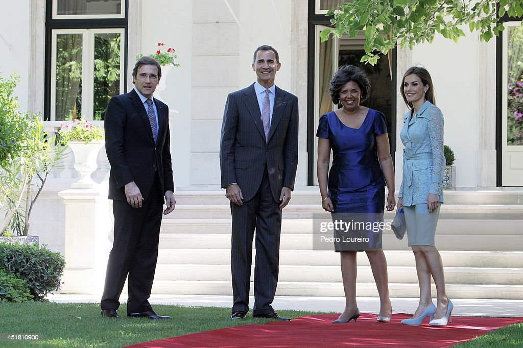Pedro Passos Coelho, King Felipe VI of Spain, Laura Ferreira and Queen Letizia of Spain at S Bento palace in on July 7, 2014 in Lisbon, Portugal.