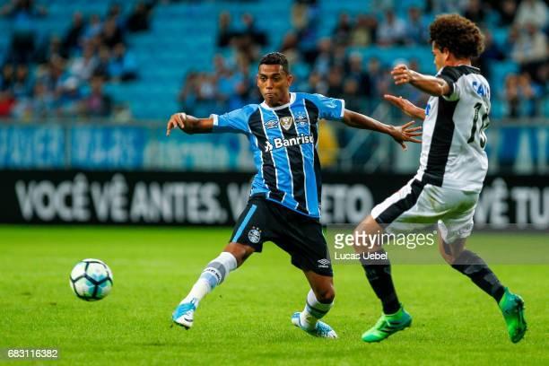 Pedro Rocha of Gremio battles for the ball against Camilo of Botafogo during the match Gremio v Botafogo as part of Brasileirao Series A 2017 at...