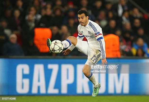 Pedro Rodriguez of Chelsea controls the ball during the UEFA Champions League Round of 16 First Leg match between Paris SaintGermain and Chelsea at...