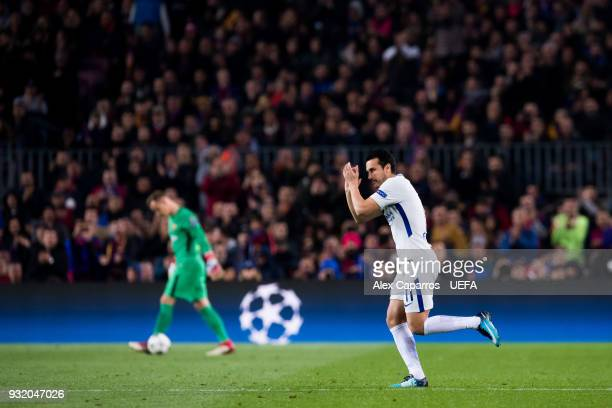 Pedro Rodriguez of Chelsea FC applauds as he enters the pitch during the UEFA Champions League Round of 16 Second Leg match between FC Barcelona and...