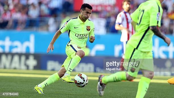 Pedro Rodriguez of FC Barcelona controls the ball during the La Liga match between Club Atletico de Madrid and FC Barcelona at Vicente Calderon...