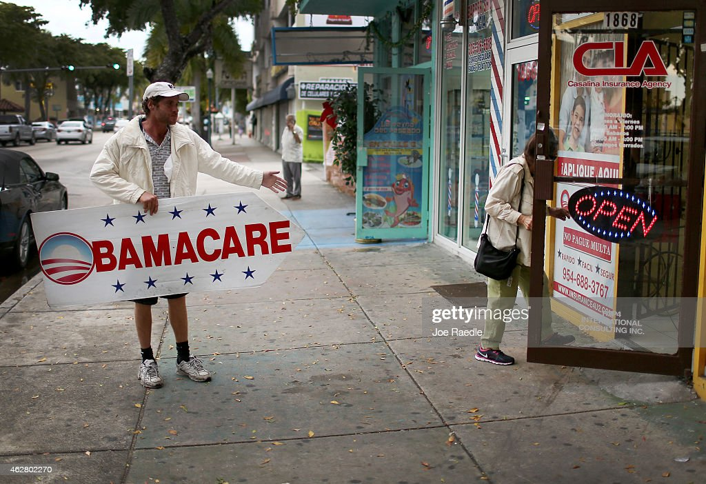 Pedro Rojas holds a sign directing people to an insurance company where they can sign up for the Affordable Care Act, also known as Obamacare, before the February 15th deadline on February 5, 2015 in Miami, Florida. Numbers released by the government show that the Miami-Fort Lauderdale-West Palm Beach metropolitan area has signed up 637,514 consumers so far since open enrollment began on Nov. 15, which is more than twice as many as the next largest metropolitan area, Atlanta, Georgia.