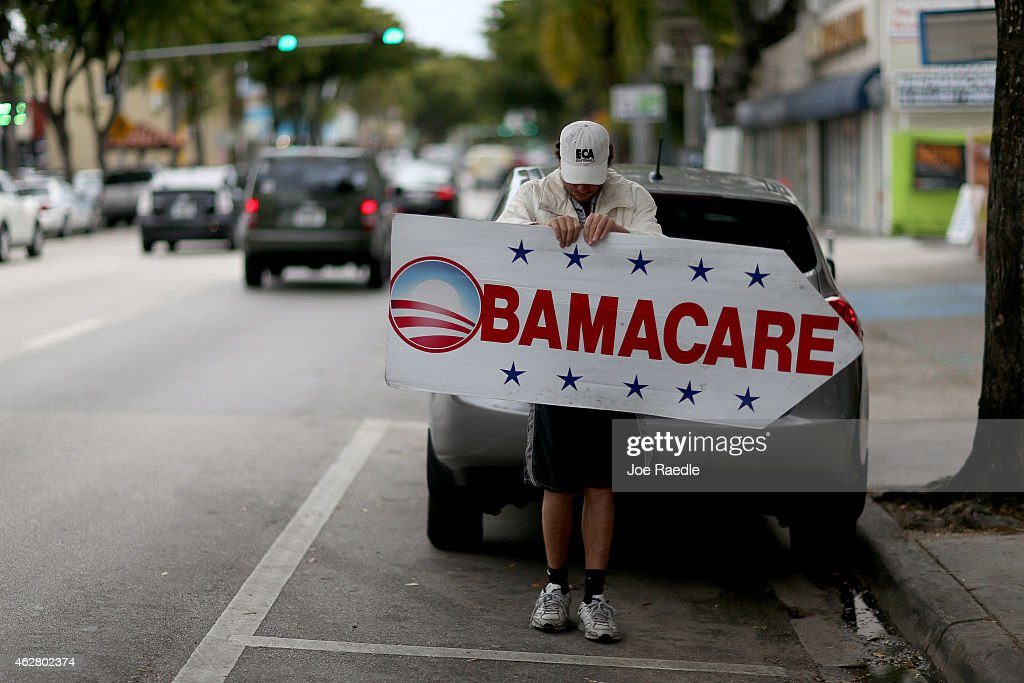 Deadline Approaches To Signup For Health Insurance Under Affordable Care Act : News Photo
