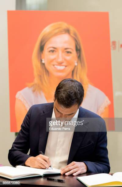 Pedro Sanchez attends the Funeral Chapel for socialist politician Carme Chacon at PSOE headquarters on April 10 2017 in Madrid Spain Carme Chacon...