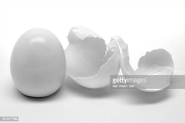 peeled egg with shell - hard boiled eggs stock pictures, royalty-free photos & images