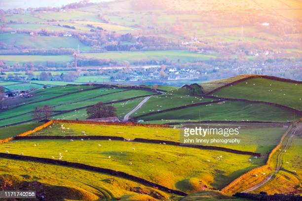 peep o' day golden light at sunset. english peak district. uk - gulf coast states stock pictures, royalty-free photos & images