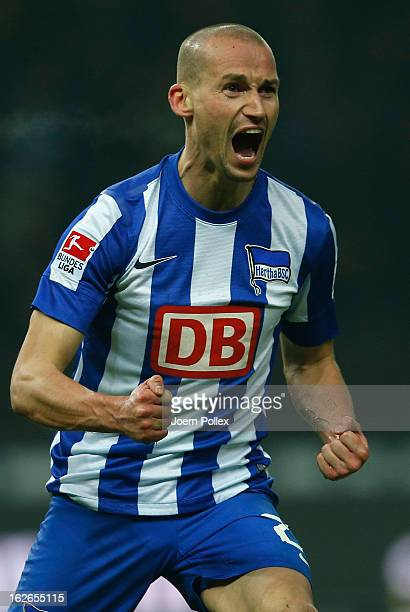 Peer Kluge of Berlin celebrates after scoring his team's first goal during the Second Bundesliga match between Hertha BSC and 1. FC Kaiserslautern at...