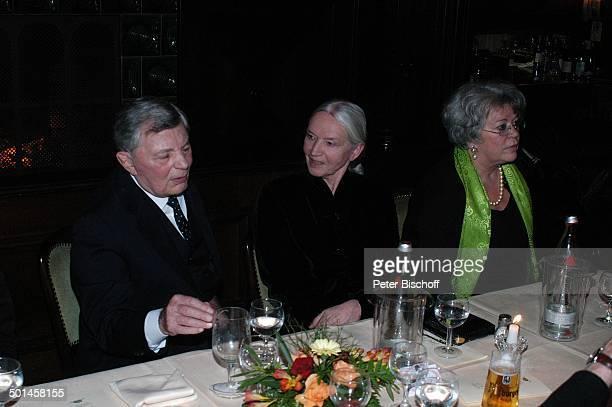 Peer Schmidt Barbara Bärbel Prey Monika Schoenfelder Party zum 80 Geburtstag von P e e r S c h m i d t Restaurant Moorlake Berlin Wannsee Deutschland...