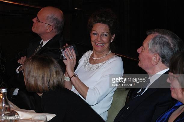 Peer Schmidt Ehefrau Helga Schlack Petra Kluge Anneli Bause Party zum 80 Geburtstag von P e e r S c h m i d t Restaurant Moorlake Berlin Wannsee...