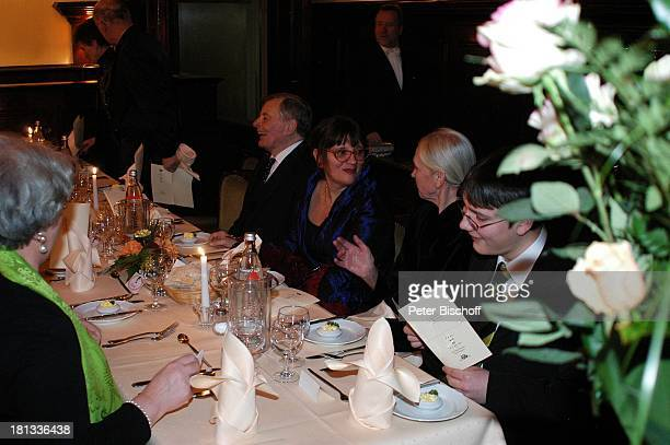 Peer Schmidt, Tochter Petra, Name folgt, Enkel Tobias , vo.hi. Monika Schönfelder, Party zum 80. Geburtstag von P e e r S c h m i d t, Berlin,...