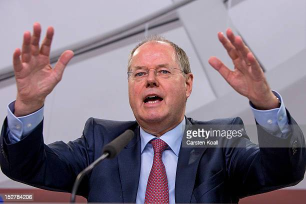 Peer Steinbrueck German Social Democrat and former Finance Minister presents his proposal for reforming financial institutions in Europe at the...