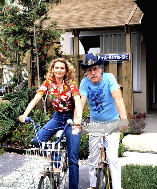 Peggy March Ehemann Arnie Harris Homestory Plantation Florida USA Nordamerika Garten Fahrrad CowboyHut SchlagerSängerin MW