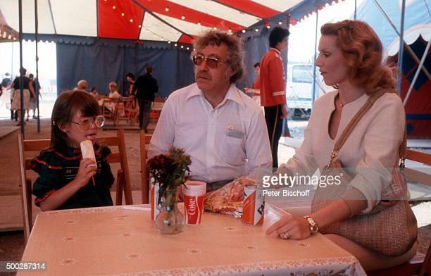 Peggy March Ehemann Arnie Harris Tochter SandeAnn Harris Besuch beim Circus Barum am in München Deutschland