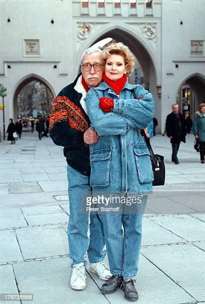 Peggy March mit Ehemann Arnie HarrisKameramann MünchenStadtbummel Fußgängerzone