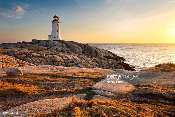 peggy's cove lighthouse - nova scotia stock pictures, royalty-free photos & images