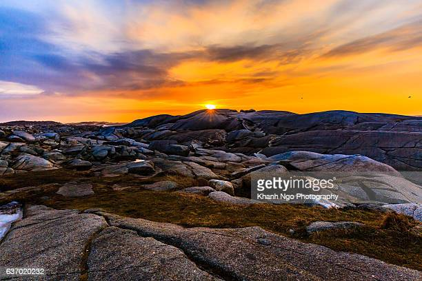 peggy's cove village at sunrise - khanh ngo stock pictures, royalty-free photos & images