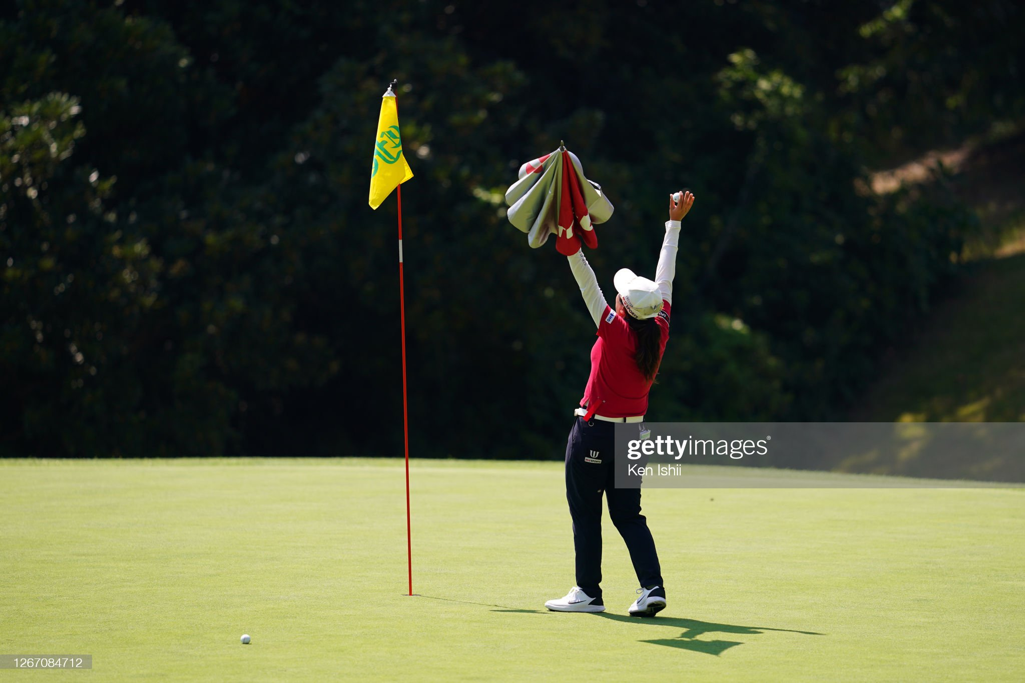 https://media.gettyimages.com/photos/peiying-tsai-of-chinese-taipei-celebrates-the-eagle-on-the-18th-green-picture-id1267084712?s=2048x2048