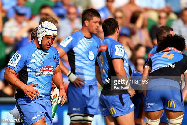 Pek Cowan of the Force leaves the field under the blood rule during the round four Super Rugby match between the Western Force and the Melbourne...