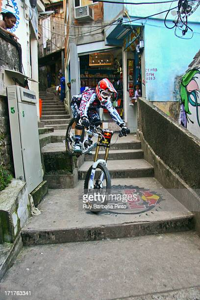 Pela primeira vez uma favela carioca sediou um evento esportivo internacional, o inédito Red Bull Desafio no Morro, nos dias 26 e 27 de setembro de...