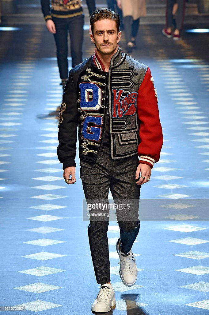 Dolce & Gabbana - Mens Fall 2017 Runway - Milan Menswear Fashion Week