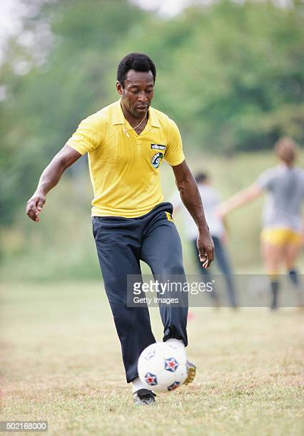 Pele of New York Cosmos in action during a training session circa 1977.