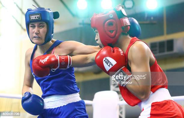 Pelea Fruean of New Zealand competes against Sadie Thomas of England in the Girl's 60 kg Quarterfinal 2 Boxing on day 4 of the 2017 Youth...
