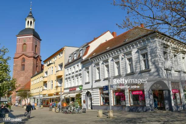 Pelican crossing, Einkaufstrasse, Carl apron street, Old Town, Spandau, Berlin, Germany, Fussgangerzone, Einkaufstrasse, Carl-Schurz-Strasse,...