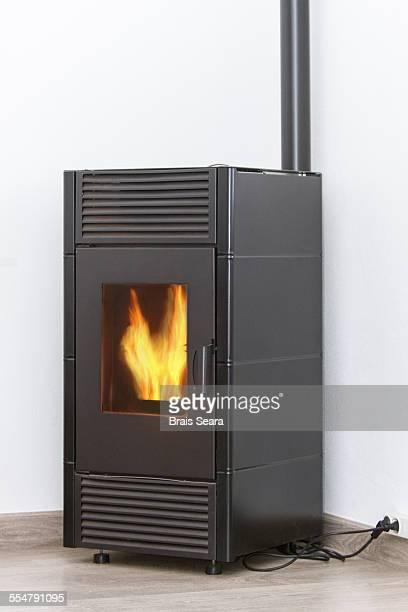 pellets heater - grânulo imagens e fotografias de stock