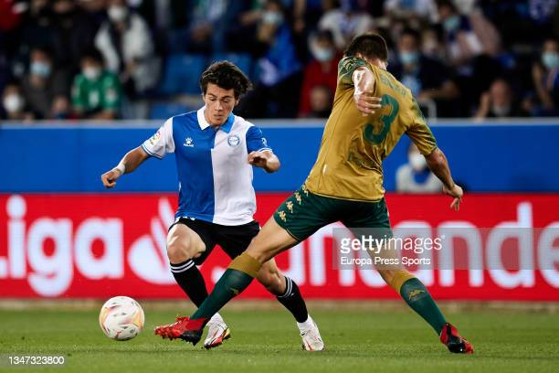 Pellistri of Alaves and Edgar of Real Betis in action during the spanish league, LaLiga, football match between Deportivo Alaves and Real Betis...