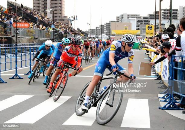 Peloton compete during the Le Tour de France Saitama Criterium on November 4, 2017 in Saitama, Japan.