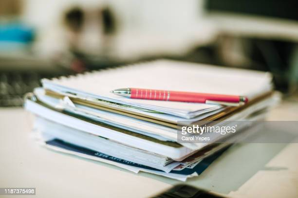pen and student notes .dof - ものさし ストックフォトと画像