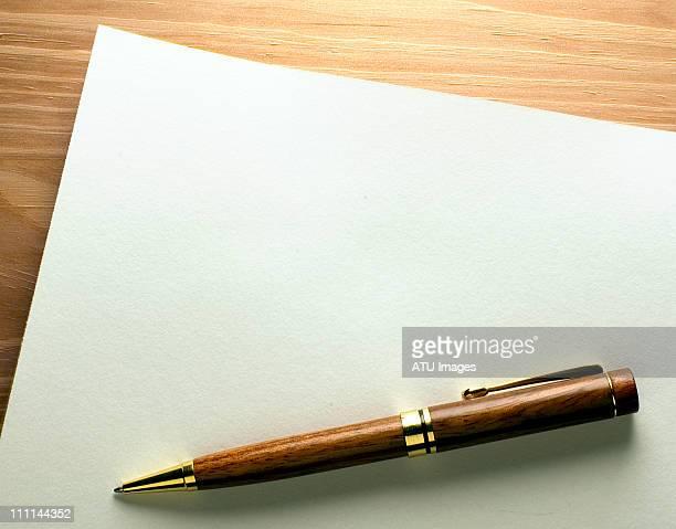pen on blank paper - caneta - fotografias e filmes do acervo