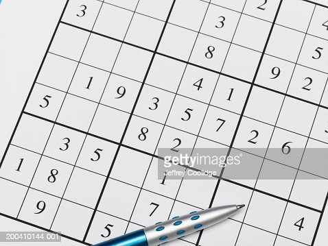 pen on sudoku puzzle closeup ストックフォト getty images