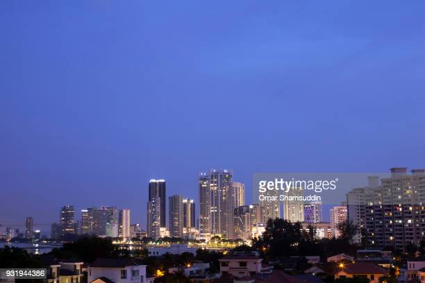 penang skyline at dusk - omar shamsuddin stock pictures, royalty-free photos & images