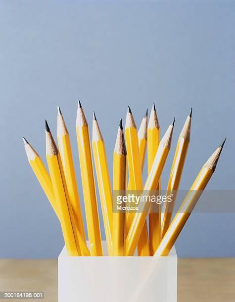 pencils in container, close-up - microzoa - fotografias e filmes do acervo