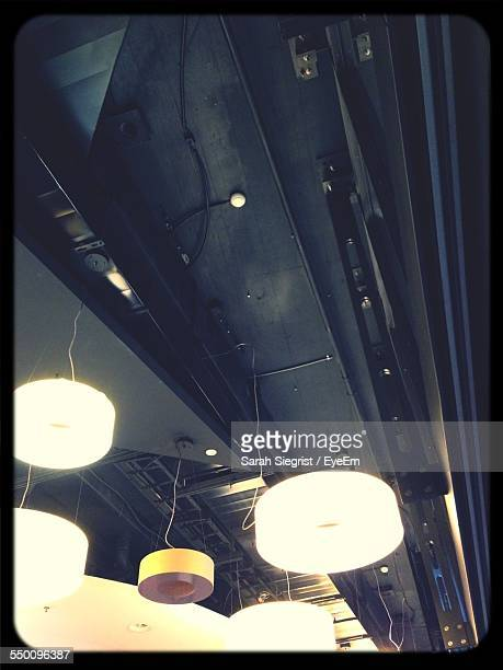 Pendant Lights Hanging From Ceiling