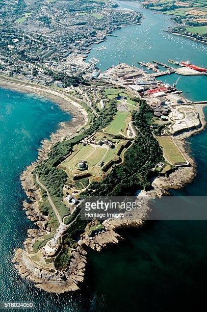Pendennis Castle Falmouth Cornwall 1999 Aerial view of the castle and surrounding coastline Pendennis Castle was begun in 1540 as part of Henry...