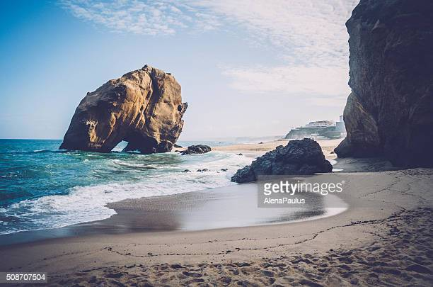 penedo do guincho - santa cruz beach rock - portugal stock pictures, royalty-free photos & images