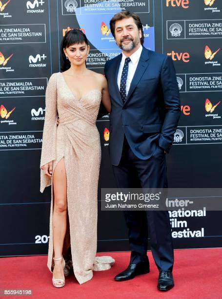 Penelope Cruz and avier Bardem attend 'Loving Pablo' photocall during 65th San Sebastian Film Festival on September 30 2017 in San Sebastian Spain