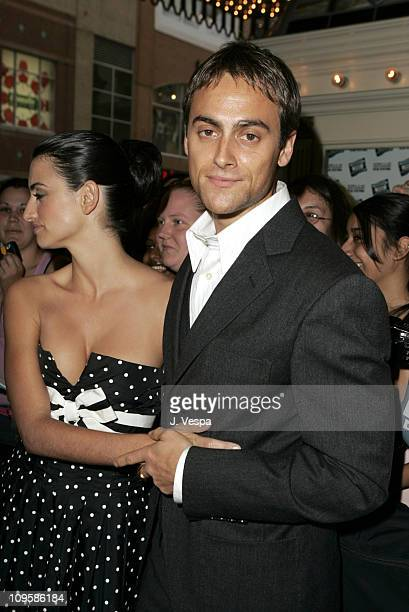 Penelope Cruz and Stuart Townsend during 2004 Toronto International FIlm Festival 'Head in the Clouds' Premiere at Elgin Theatre in Toronto Ontario...