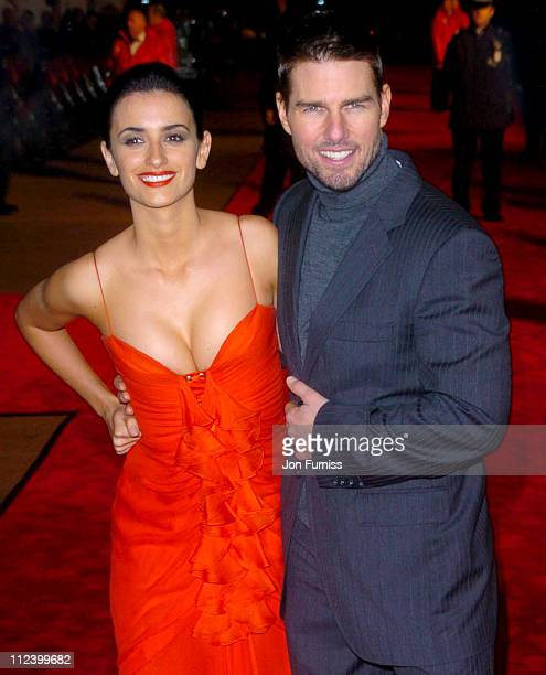 Penelope Cruz and Tom Cruise during 'The Last Samurai' UK Premiere Arrivals at Odeon Cinema Leicester Square in London Great Britain