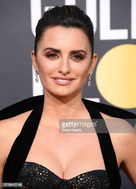 Penelope Cruz arrives at the 76th Annual Golden Globe Awardsat The Beverly Hilton Hotel on January 6, 2019 in Beverly Hills, California.
