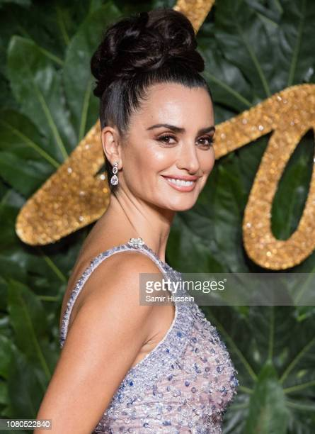 Penelope Cruz arrives at The Fashion Awards 2018 In Partnership With Swarovski at Royal Albert Hall on December 10, 2018 in London, England.